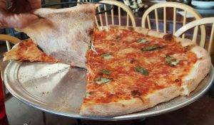 Roaslee Pizza crust, Longmont, Colorado (Photo by Espo)