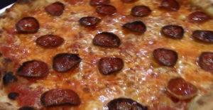 Ezzo pepperoni pizza